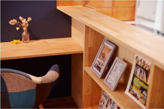 ライフスタイルの提案 広々としたワンフロアの横浜青葉ショールームは、各メーカーの住宅設備の展示とライフスタイルを想像させる空間提案型になっています。LDKをそのまま再現している空間もあり、そのデザイン性だけではなく、広さや家具の配置などの参考にもなるアットホームなショールームです。
