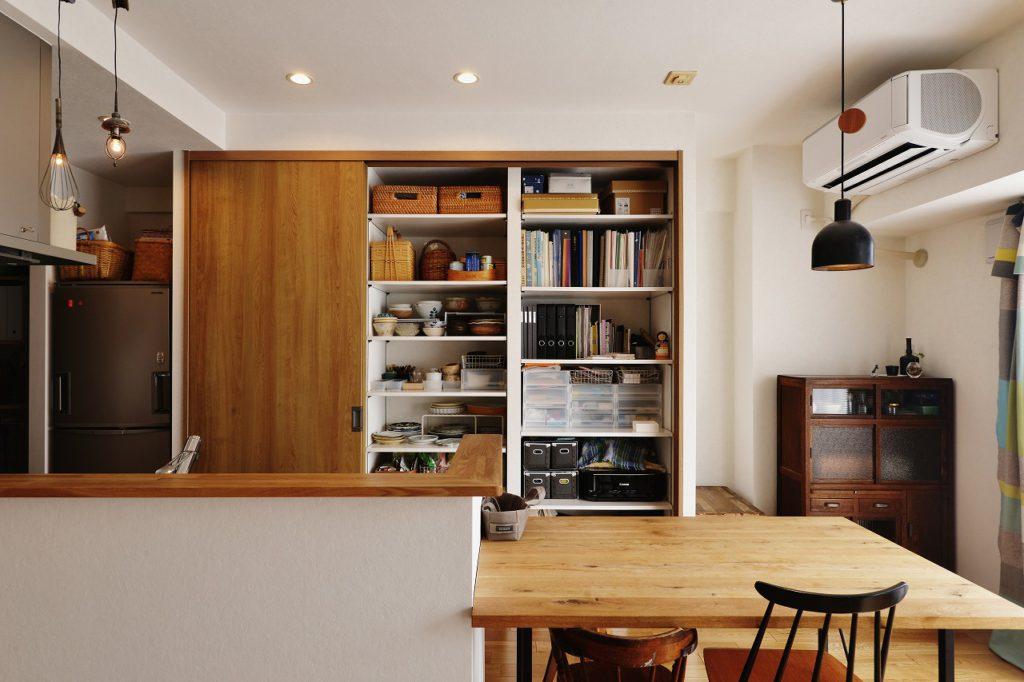 【LDK】キッチンに一番必要なのは収納かもしれない。ステキなキッチンでも雑多ではステキでなくなる。高機能なキッチンでも物が溢れていては使えない。暮らすをデザイン のキッチンプラン 。