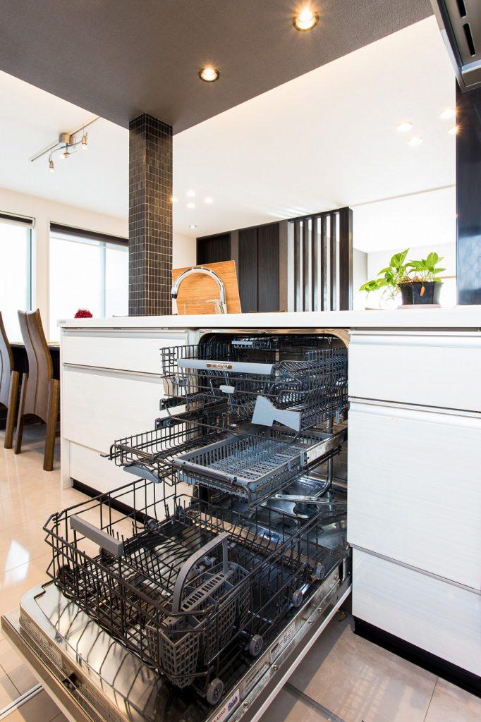 【食洗機 ASKO】 スウェーデン生まれの食洗機 大容量かつ日本の食文化に適しています。