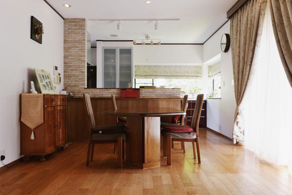 【DK】 既存の家具とマッチする、こだわりの無垢フローリング