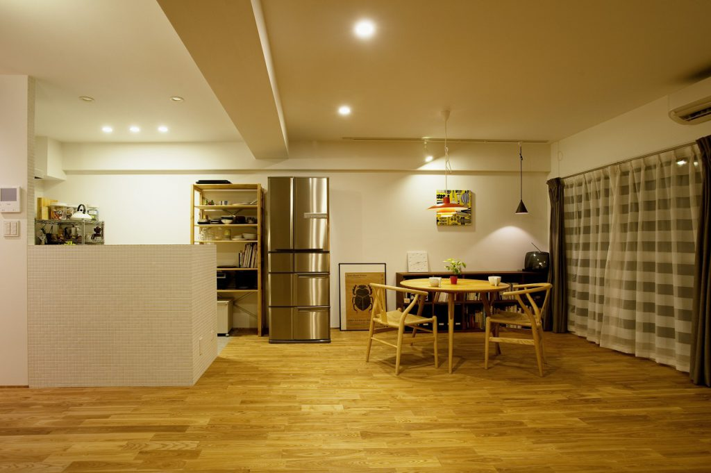 ▲対面キッチンは、クリナップ社のラクエラを採用。対面キッチンにすることでふれあいのもてる空間になっています。