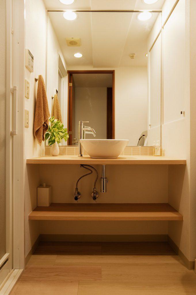 【洗面台】 カウンタータイプのシンプルな洗面台を造作