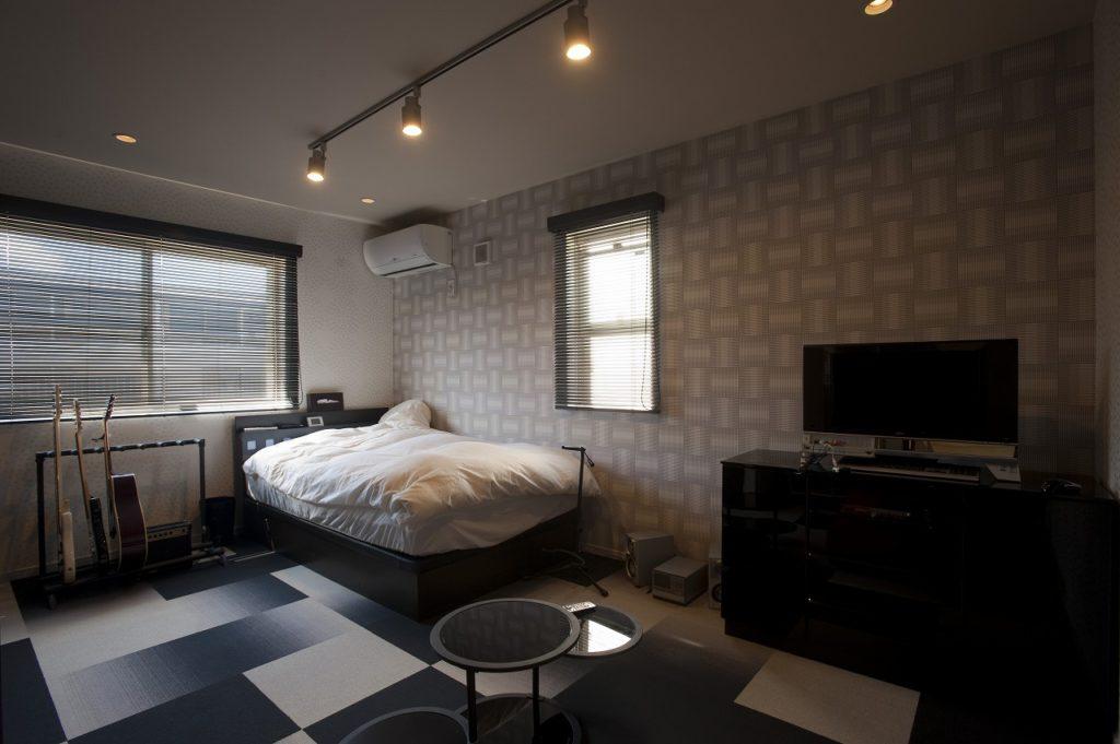 【寝室】 寝室はそれぞれ違う雰囲気にしました。 使う人がもっともくつろげる空間になるように工夫しています。