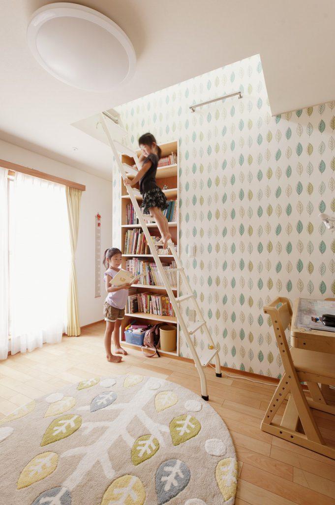 【ロフト】 子供部屋にはロフトを設置。 子供は屋根裏が大好きなので提案しました。