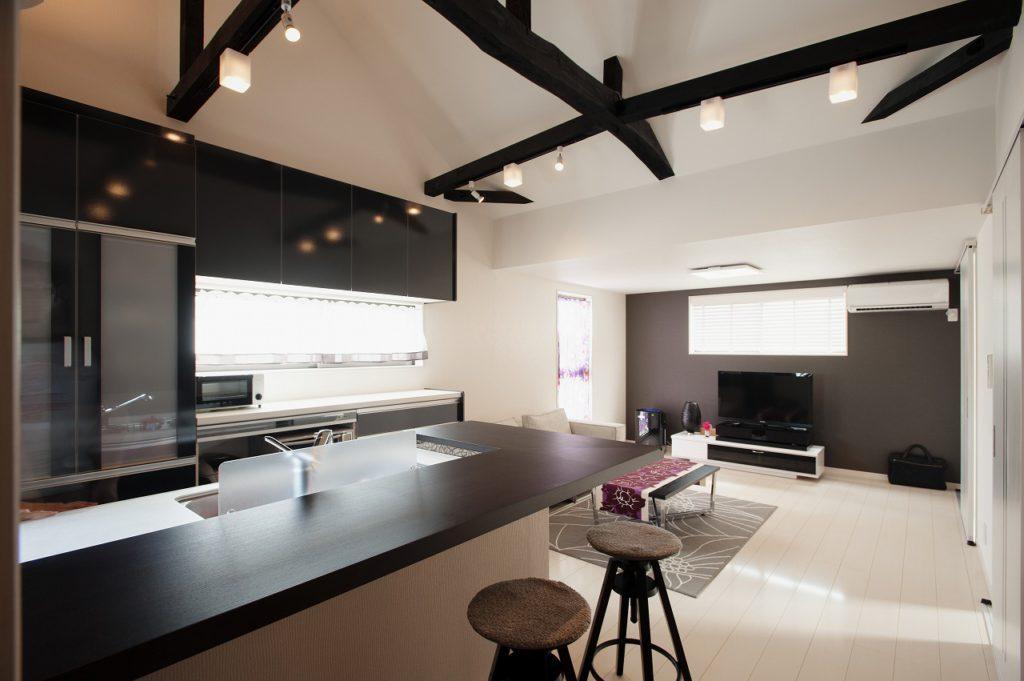増築 | ご実家の2階をシックモダンな子世帯住居化