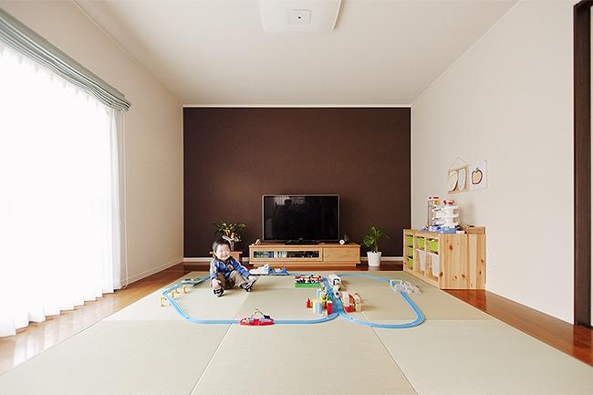 家具のようなキッチンが中心のLDK