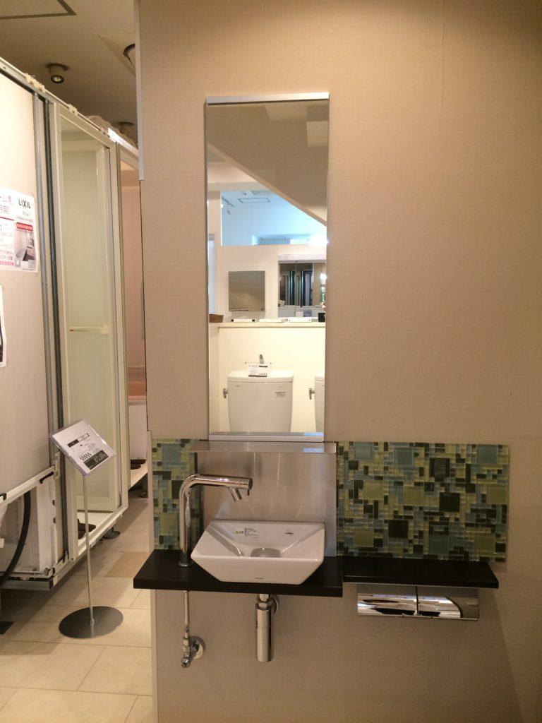 TOTO カウンター式手洗器+化粧鏡