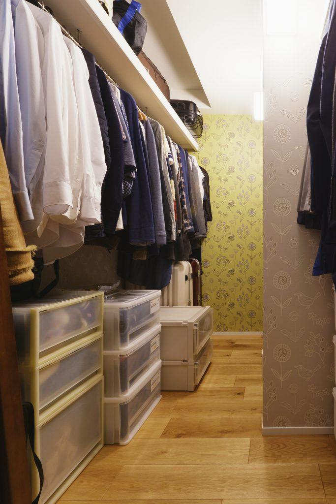 【WIC】夫婦の洋服がたっぷりはいる収納。