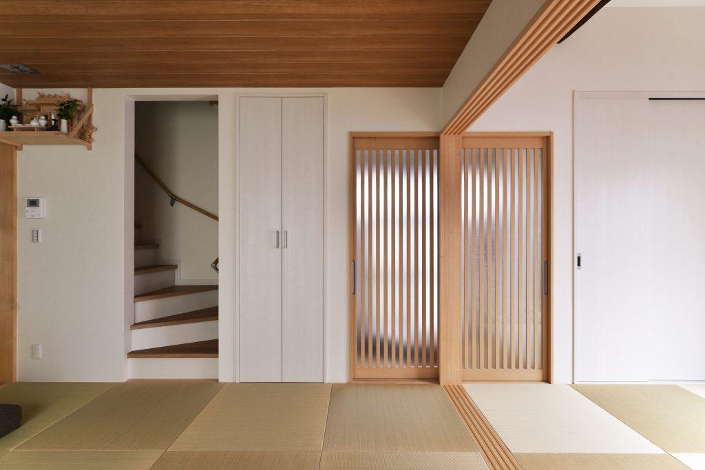 【リビング】息子様方も2階へ上がる際は必ずリビングを通ります。空間のつながりが家族のつながりも強くしました