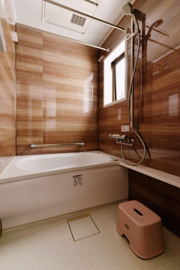 【浴室】快適で清掃製が良いユニットバスへ変更いたしました。