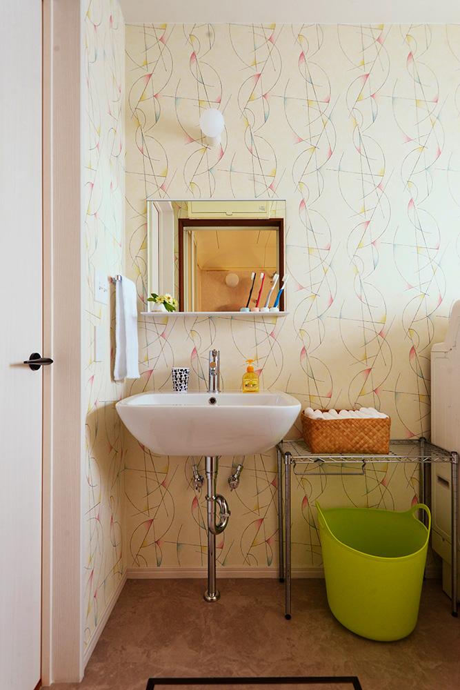 【洗面所】物が散乱しないよう洗面所の収納はコンパクトに。