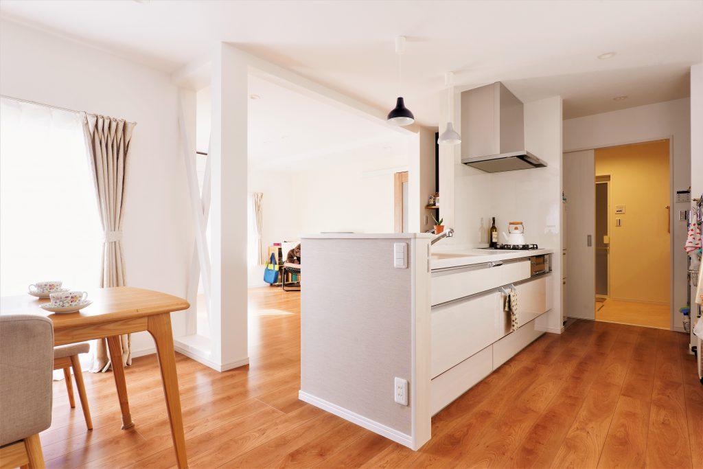 【キッチン・洗面】キッチンから洗面の動線で、家事の時短はバッチリです。