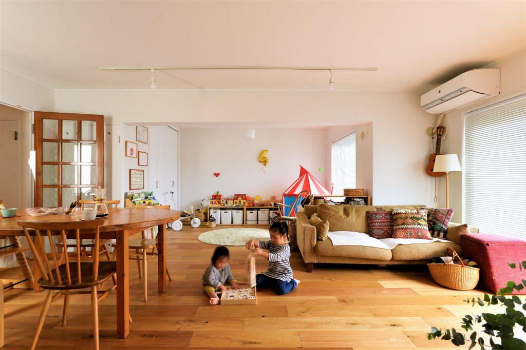 【LDK】子供たちの遊び場、リビング、書斎の3部屋ががつながる暖かい空間になりました。