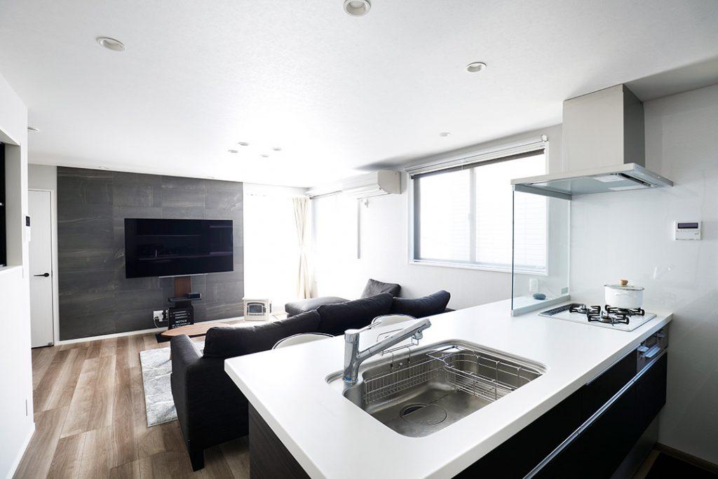 お料理、洗い物をしながらリビングが見渡せる対面キッチン