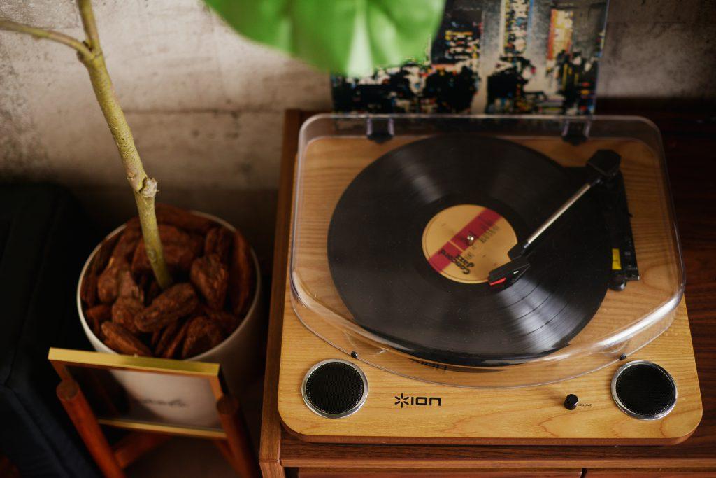 ご主人様お気に入りのレコードプレイヤー。