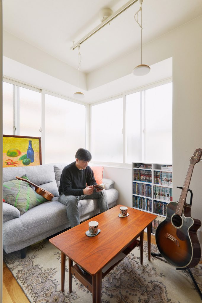 書斎:広すぎず狭すぎない、絶妙な広さが籠り感もあって落ち着くフリースペースとなりました。結露でお悩みだった窓面も2重サッシにすることで断熱性をアップし、快適な空間に。