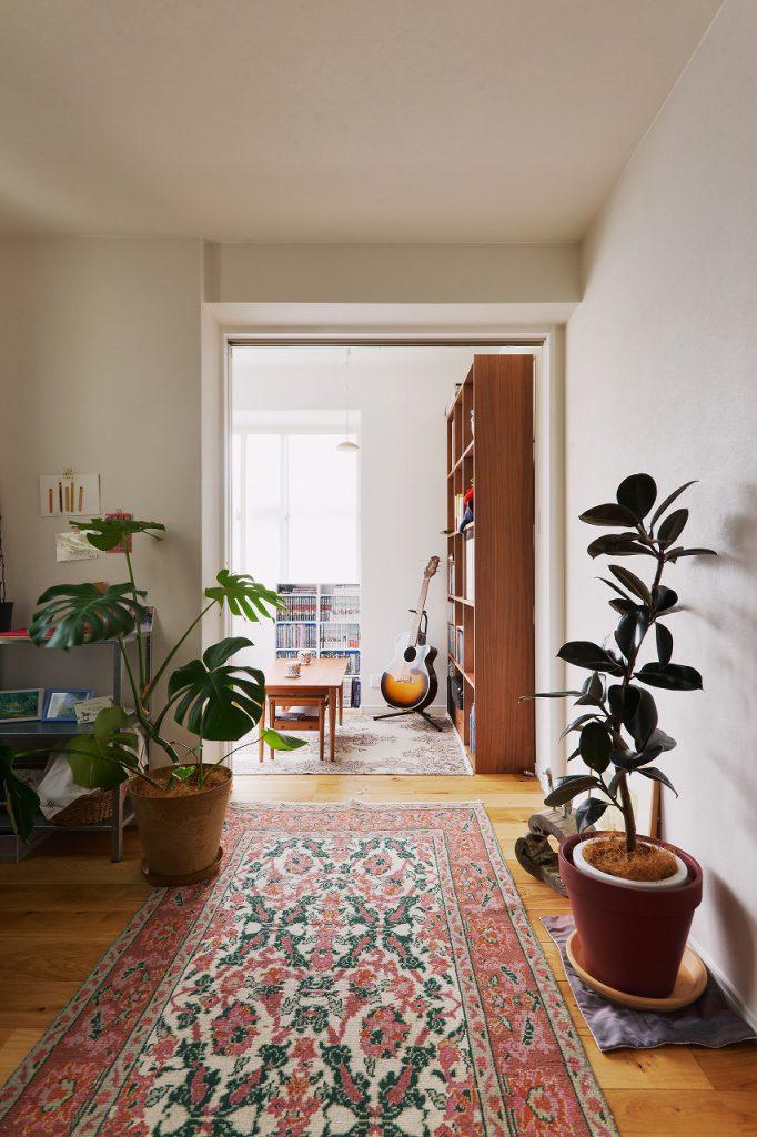 2階ホール・書斎:ガラス戸をあければオープンで繋がる空間に。