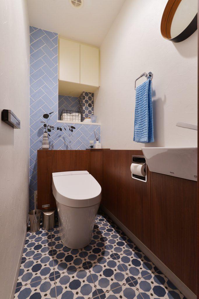 トイレ:雑誌の切り抜きのようなオシャレなトイレにしたいというご要望に応えました。