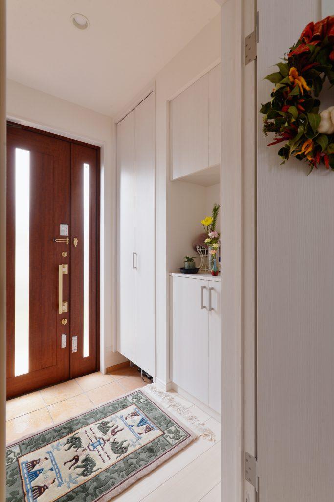 玄関:移設した玄関。収納たっぷりです