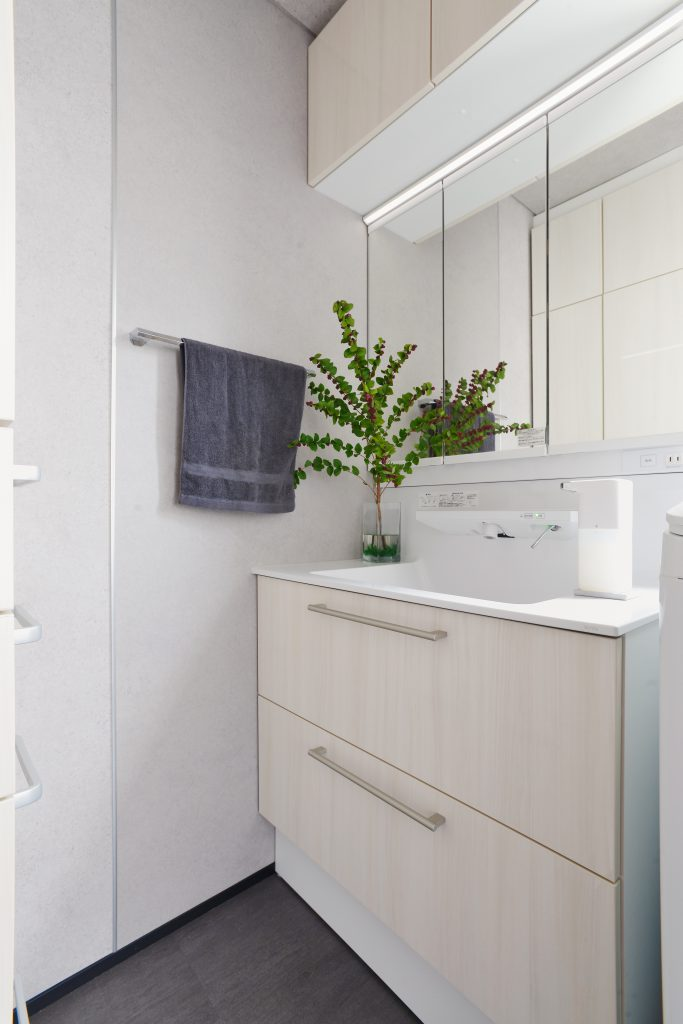 洗面台:清潔感のあるクリーンな空間